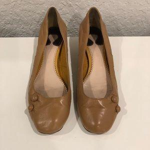 Chloe Round toe, kitten heel in camel leather